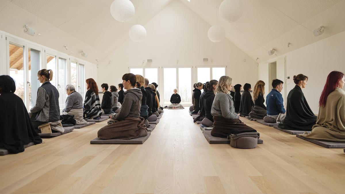 Meditacijska povlačenja, meditation retreats